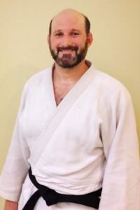 instructors_Leon_300x450